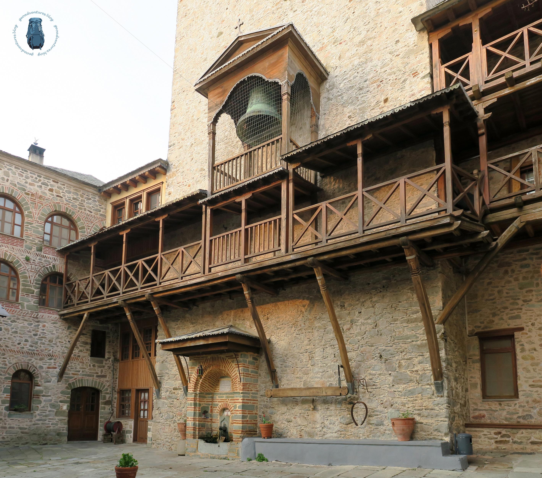Semantron im Kloster Karakallou