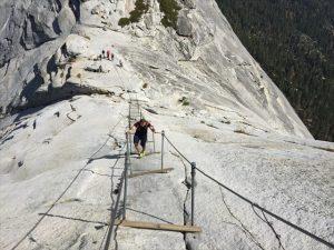 Aufstieg Half Dome -Cachen auf sechs der spektakulärsten Wanderwegen der Welt