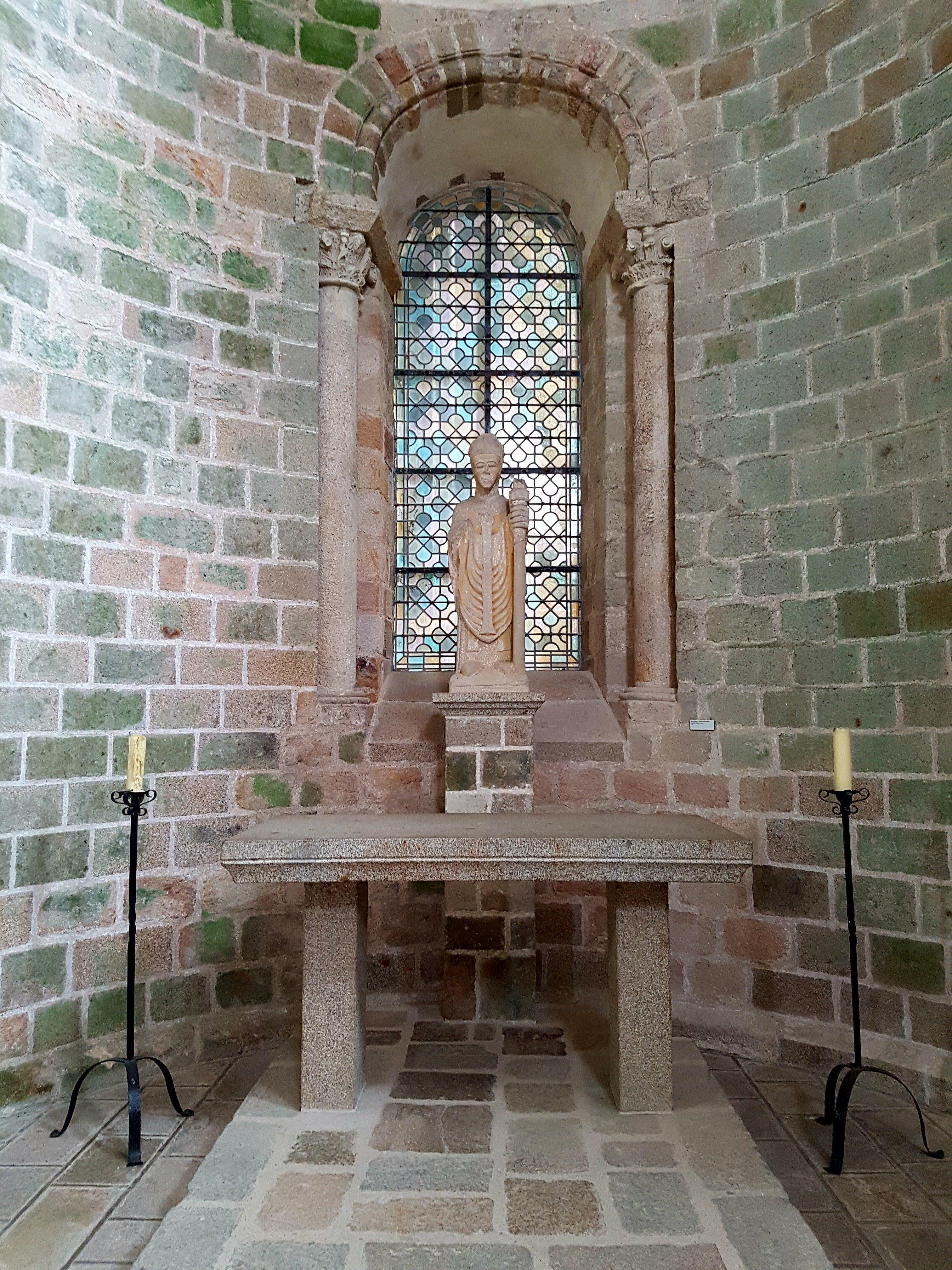 Mont-Saint-Michel - Innenansichten Statue