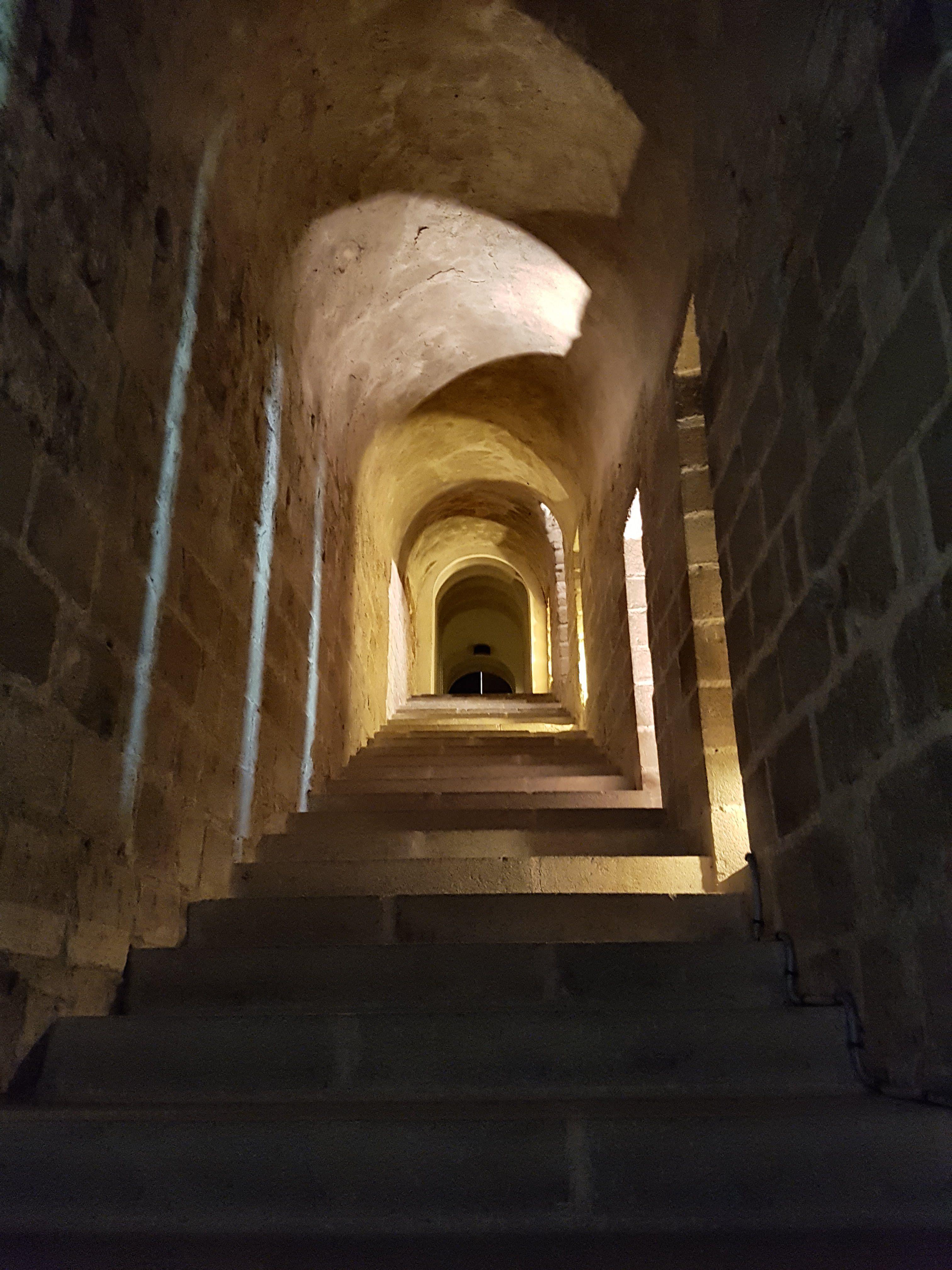 Mont-Saint-Michel - dunkle Gänge
