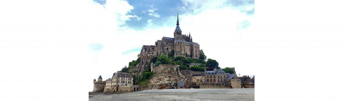 Cachen am Mont-Saint-Michel und die Suche nach dem Heiligen Gral