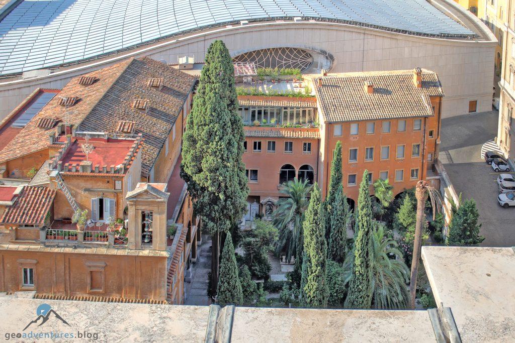 Vatikan - Friedhof der Deutschen und der Flamen von oben