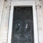 Petersdom Portal