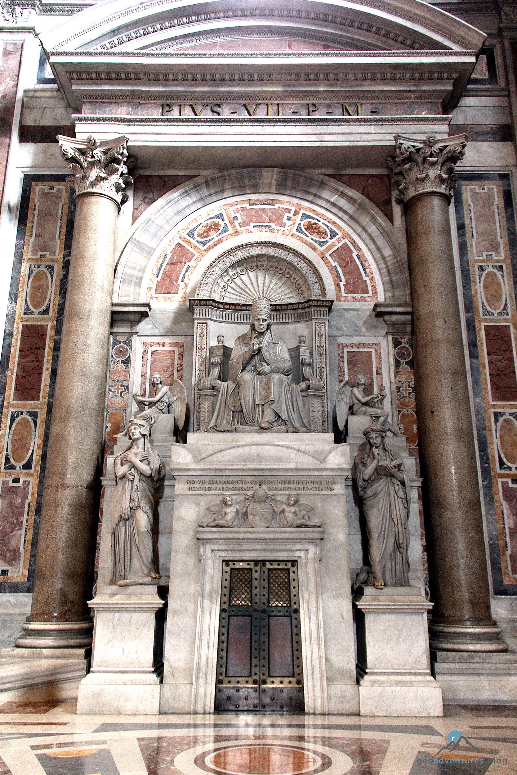 Grabmal Pius VII. im Petersdom