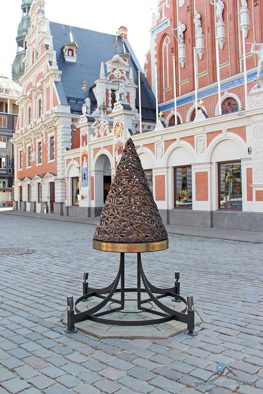 Wer Hat Den Tannenbaum Erfunden.Geocaching In Lettland Der Erste Weihnachtsbaum In Riga Eine Weite