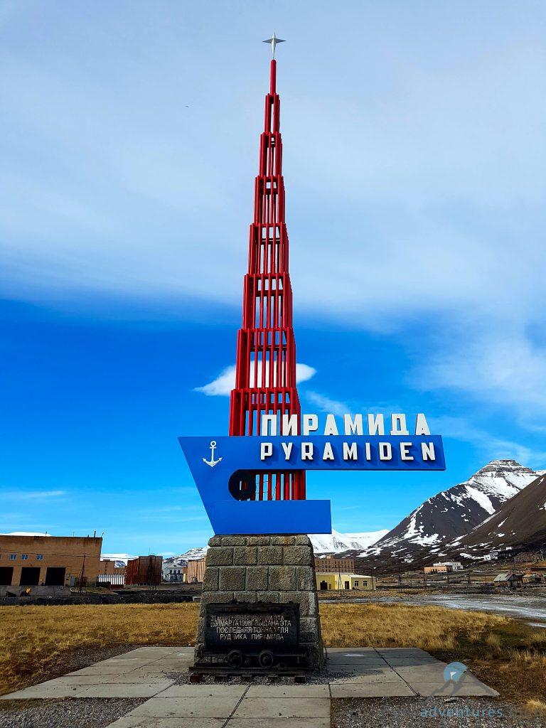 Pyramiden Spitzbergen Skulptur