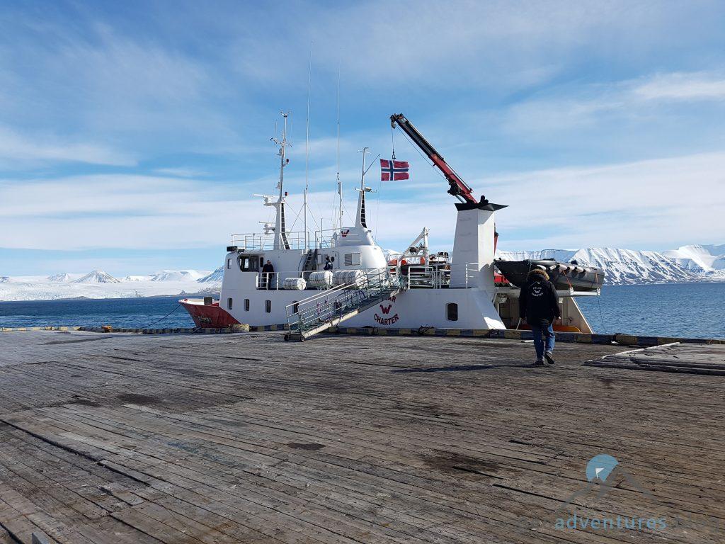 Pyramiden Spitzbergen Polargirl