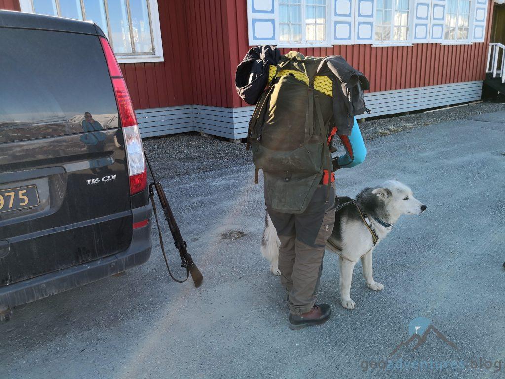 Geocaching in Spitzbergen - Lena und Clooney