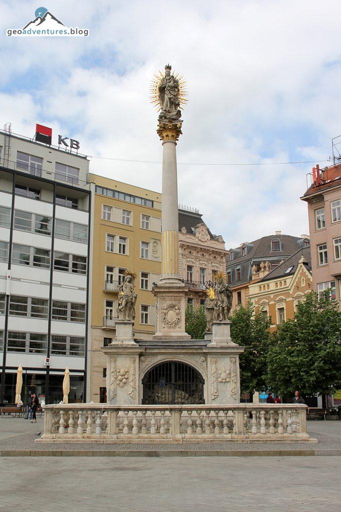 Marienstatue / Peststatue mit Altar Brno